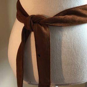 Express tie belt